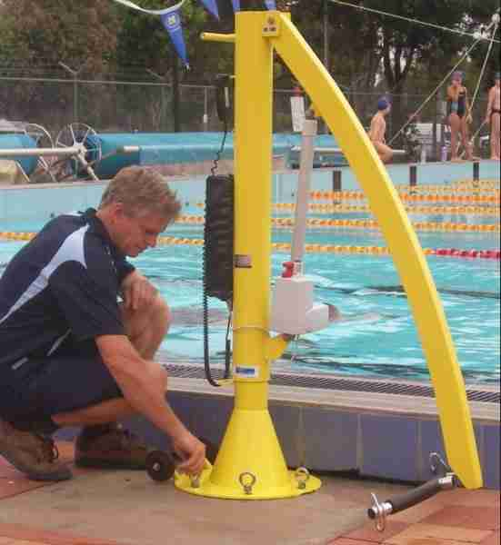Pelican pool and spa lift total mobility sydney nsw for Swimming pool lifting out of ground